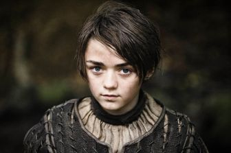 Maisie-Williams-as-Arya-Stark-in-Game-of-Thrones