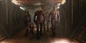 Gamora (Zoe Saldana), Rocket (Bradley Cooper), Star-Lord (Chris Pratt), Groot (Vin Diesel), Drax (Dave Bautista)